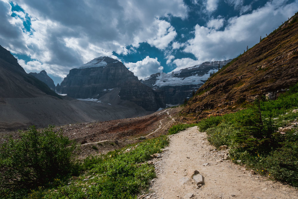 Banff's Plain of Six Glaciers Teahouse Trail